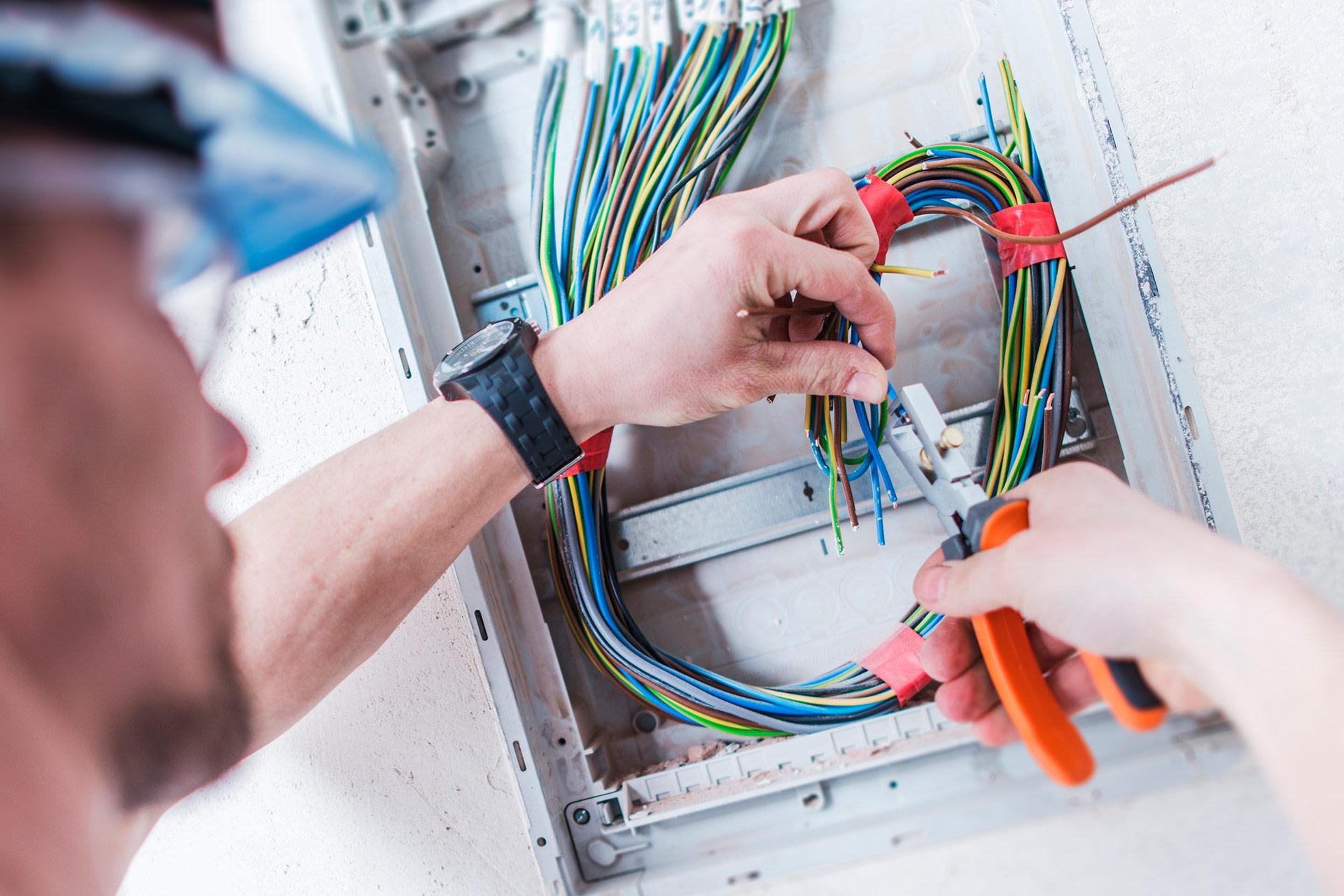 Bliv elektriker - uddannelseretning